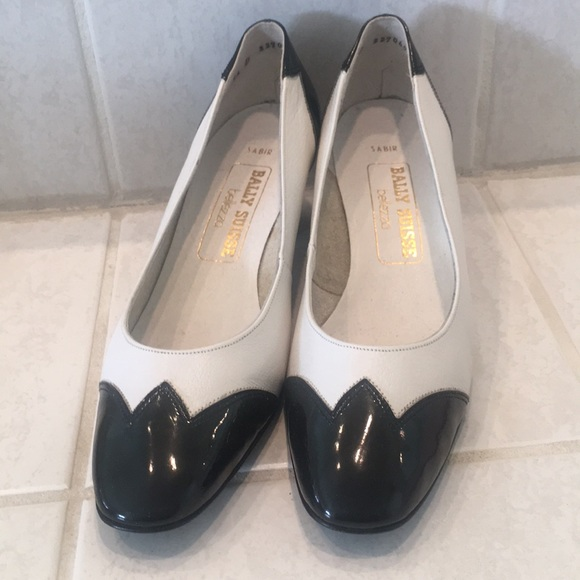 9898c0ee3ca50 🍀FINAL PRICE🍀Vintage Bally black and white pumps